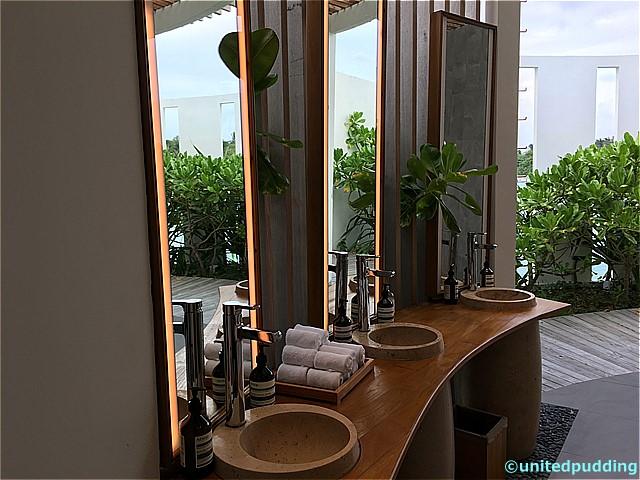 amilla toilet